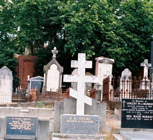 Grave symbol 01