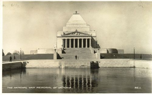 800px-Shrine_of_Remembrance_1930