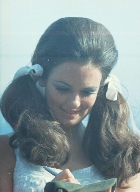 Phyllis George Vietnam 1971